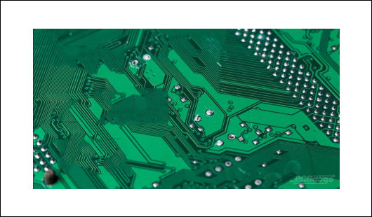 PCB fabrication with Rogers material or FR-4 material in PCBGOGO.jpg